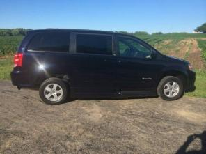 2011 Dodge Grand Caravan Minivan Handicap/Wheelchair van